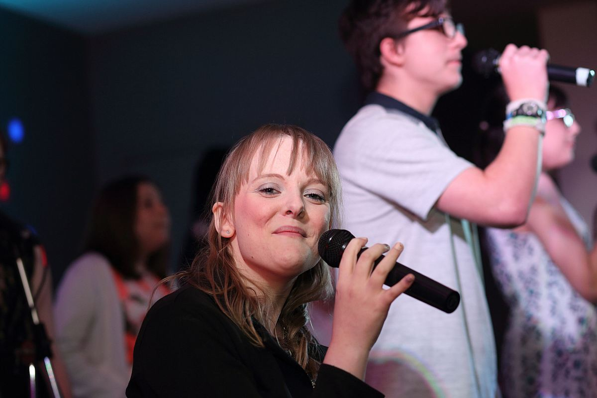 Abigail : Singing loud and positive for those with Invisible disabilities.