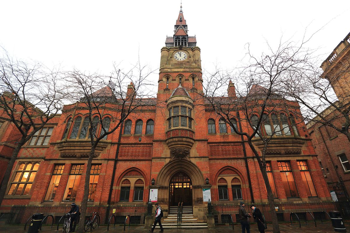 Council to spend over £1m to close the Central Library - no savings to the taxpayer until 2027.
