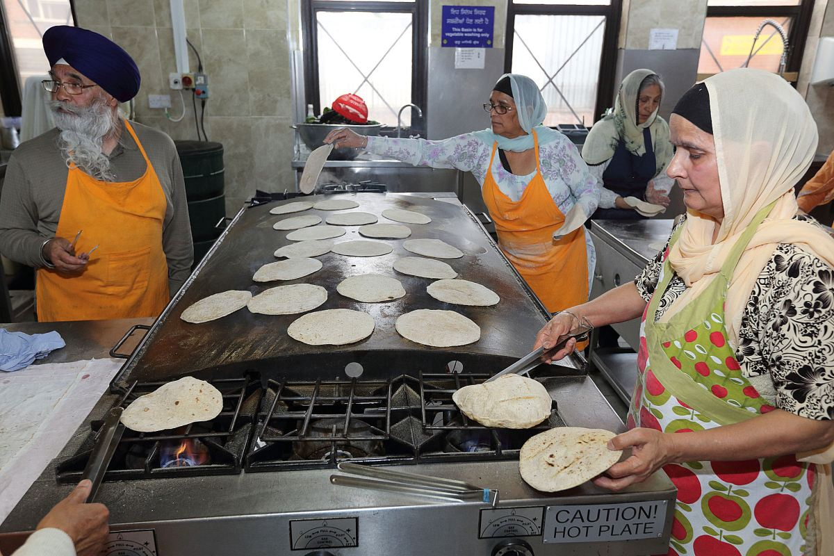 Sikh Temple: Free food for the whole community - an act of faith