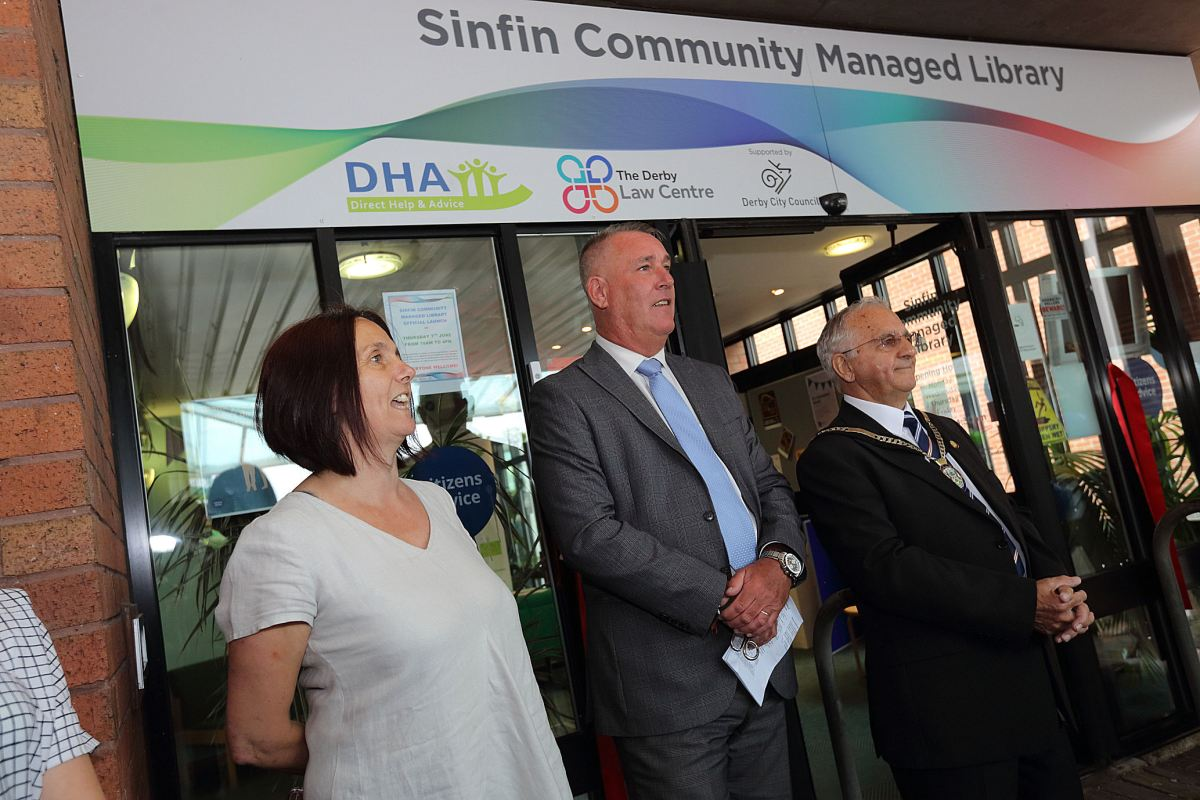 The first Community Managed Library is formally launched in Sinfin.