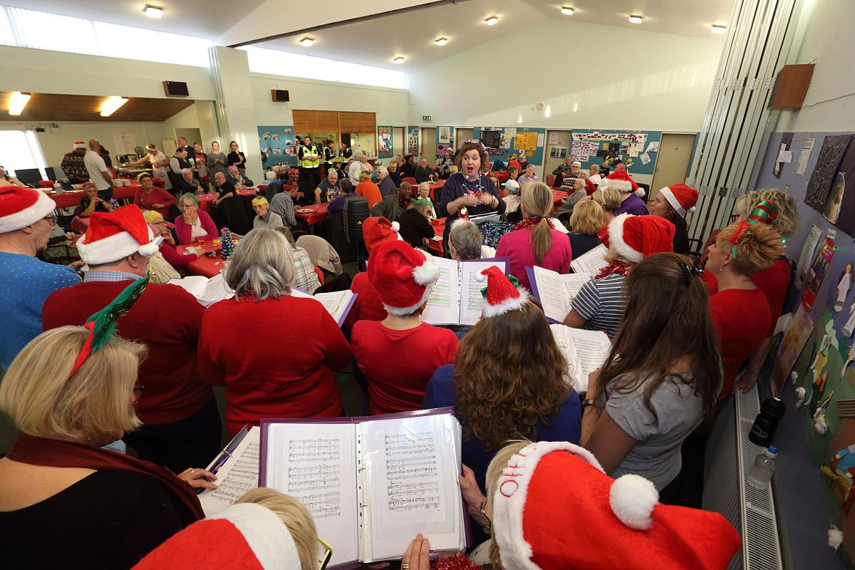 The community comes together to bring the Christmas spirit to 70 Sinfin/Osmaston residents